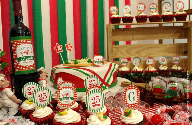 mesa enfeitada para festa Cantina italiana