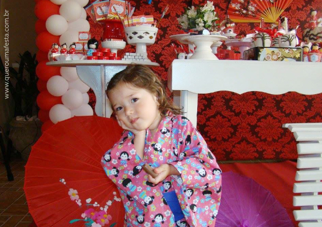 decoração festa kokeshi, enfeites festa kokeshi, festa kokeshi personalizada, festa kokeshi para imprimir, kit festa kokeshi, rótulos festa kokeshi, festa kokeshi fofa, festa kokeshi em casa, convite festa kokeshi